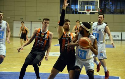 Győzelem az első meccsen – Megkezdődött a kosárlabda bajnokság rájátszása